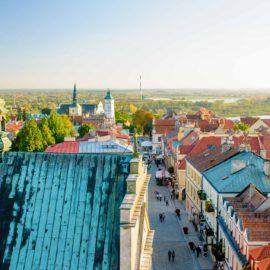 Widok z Bramy Opatowskiej w Sandomierzu